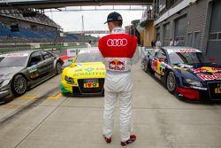 Mattias Ekström, Audi Sport Team Abt watches the car of Bruno Spengler, Team HWA AMG Mercedes C-Klasse