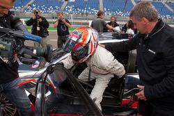 Nicky Hayden, de Ducati Team, después de conducir el AMG Mercedes C-Klasse