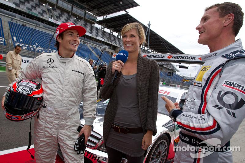 Гонщик Ducati Ники Хейден, спортивный директор Mercedes-Benz Норберт Хауг, Ферена Вридт и Дэвид Ко