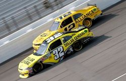 Mark Martin, Turner Motorsport Chevrolet en Sam Hornish Jr., Penske Racing Dodge