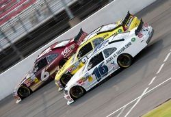 Ricky Stenhouse Jr., Roush-Fenway Ford, Mark Martin, Turner Motorsport Chevrolet en Trevor Bayne, Ro
