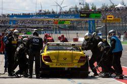 Pit stop for David Coulthard, Mücke Motorsport, AMG Mercedes C-Klasse