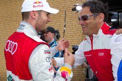 Race winnaar Martin Tomczyk, Audi Sport Team Phoenix met Hans-Jürgen Abt