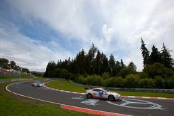 #85 AVIA Racing Team Bratke Aston Martin GT4: Oliver Louisoder, Gerd Niemeyer, Stefan Neuhorn, Rolf