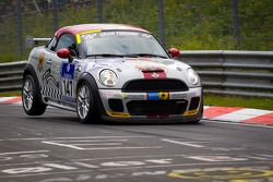 #147 MINI Motorsport Mini Cooper: Maximilian Engert, Marcus Schurig, Juergen Schmarl, Nico Bastian