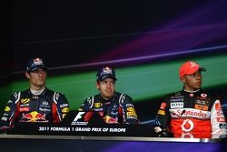 Марк Уэббер, Red Bull Racing и Себастьян Феттель, Red Bull Racing и Льюис Хэмилтон, McLaren Mercedes