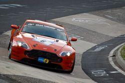 #6 Aston Martin Vantage N24: Darren Turner, Shinichi Katsura, Robert Thomson