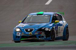 #106 BMW 130 GTR: Udo Schauland, Alessandro Cremascoli, Massimo Colnago