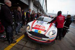 Pitstop #85 AVIA Racing Team Bratke Aston Martin GT4: Oliver Louisoder, Gerd Niemeyer, Stefan Neuhor