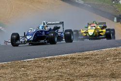 Rupert Svendsen-Cook voor Felipe Nasr bij de start