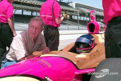 Gary Bettenhausen consults with Davey Hamilton