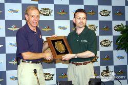 Robert Hubbard and Lee Fisher display Louis Schwitzer Award