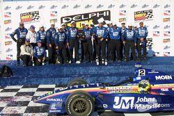 Jacques Lazier fête sa victoire avec le Team Menards
