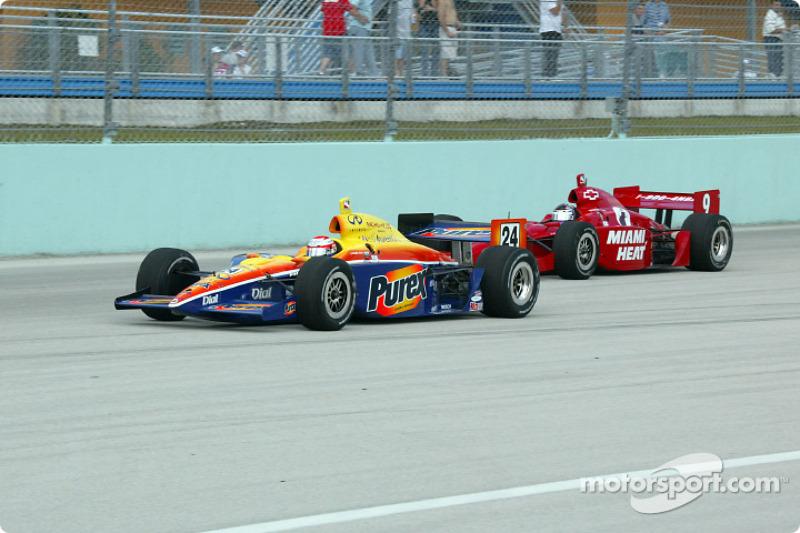 Robbie Buhl ahead of Jeff Ward