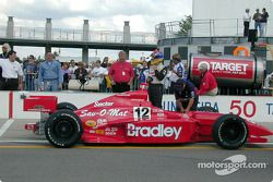 Buzz Calkins no luck in pit stop competition
