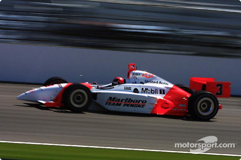 Helio Castroneves venceu novamente em Indianápolis em 2002