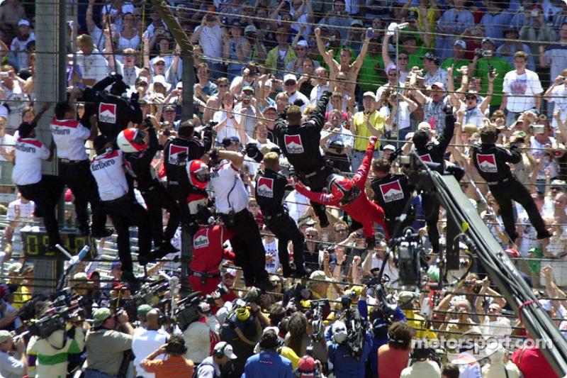 Ganador de la edición de 2002: Helio Castroneves, Dallara/Chevrolet