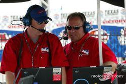 John Lewis et Brian Barnhart (IRL)