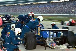 Pitstop for Tomas Scheckter