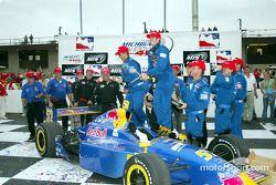 Tomas Scheckter célébrant