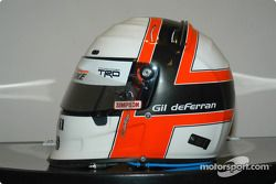 De helm van Gil de Ferran