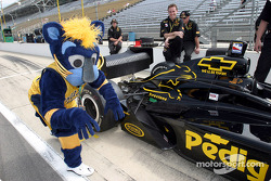Boomer, the Indiana Pacers mascot, with Billy Boat's car