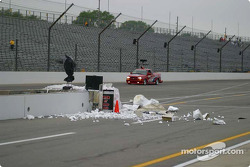 Damage on pitwall after Billy Boat's crash