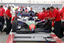 Felipe Giaffone's car in tech inspection