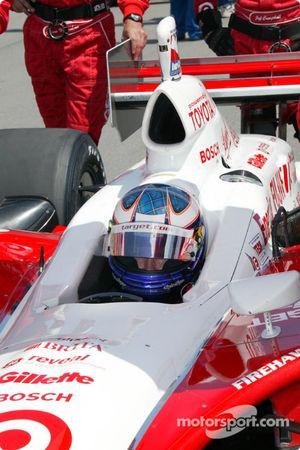Scott Dixon on the starting grid
