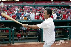 Visit at a St. Louis Cardinals baseball game: Helio Castroneves