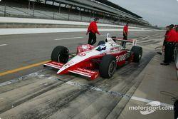 Scott Dixon a déjà commencé à se préparer pour les 500 Miles d'Indianapolis 2004