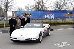 Corvette Convertible - пейс-кар Индианаполис 500 2004 года