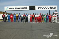 Photo de famille des pilotes d'Indy Racing League IndyCar Series 2004