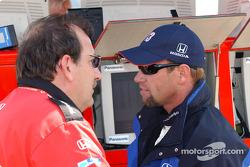 Le propriétaire d'Access Motorsport Ted Bitting avec Greg Ray