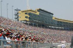 Kansas crowd