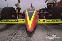 La voiture de Scott Sharpaprès la course