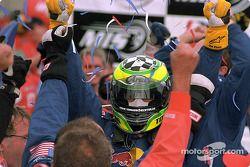 Gagnant de la course Tomas Scheckter