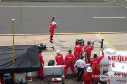 Arie Luyendyk's pit crew
