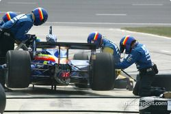 Pitstop for Vitor Meira