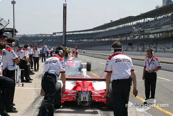 Team Penske pulls out to practice fuel runs