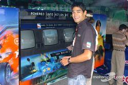 Thiago Medeiros at the Codemasters IndyCar Series 2005 Challenge