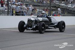 Vintage racers: 1939 Lagonda V-12 Roadster #12