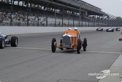 Vintage racers: 1930 Deusenberg #66