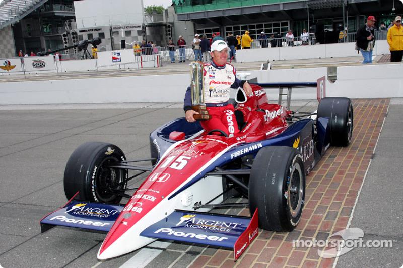 Buddy Rice ganó las 500 Millas de Indianápolis en 2004