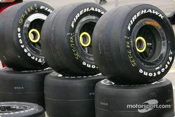 Les pneus Firestone Firehawk sont prêts