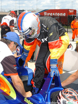 Indy Experience two-seater IndyCar: a guest takes place in the car