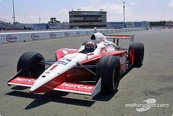 Tony Kanaan pilote la voiture d'IRL
