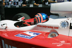 Tony Kanaan dans la voiture d'IRL