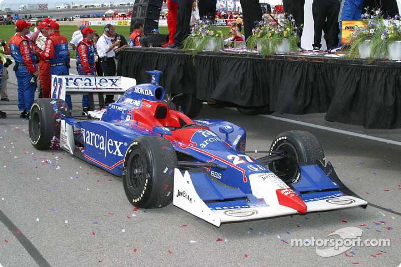 La voiture victorieuse sur la Victory Lane
