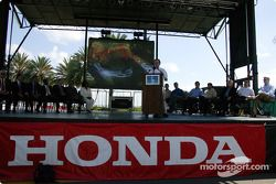 Announcement of the 2005 Honda Grand Prix of St. Petersburg on April 3, 2005, in the streets of St.